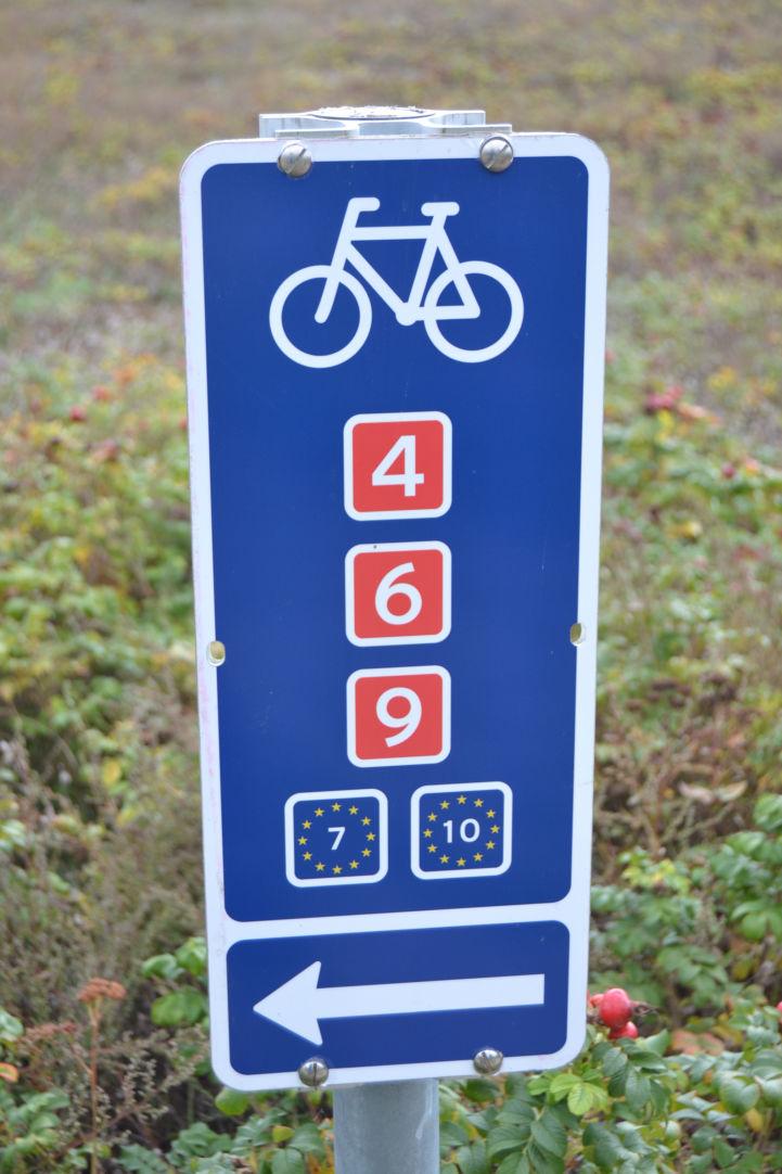 New signage along EuroVelo 7 and EuroVelo 10 south of Copenhagen