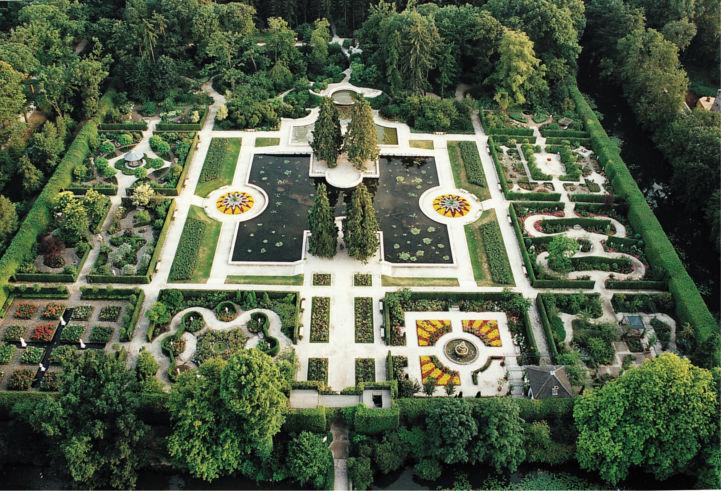 Arcen Castle Gardens, EuroVelo 19, Netherlands