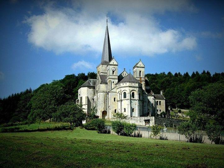 Notre Dame de l'Assomption in Mont-devant-Sassey, France © Hocusfocus55