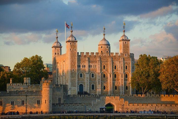 Description: Tower of London (United Kingdom of Great Britain and Northern Ireland) Date: 04/10/2014 Author: Ko Hon Chiu Vincent Copyright: © Ko Hon Chiu Vincent Permanent URL: whc.unesco.org/en/documents/136683