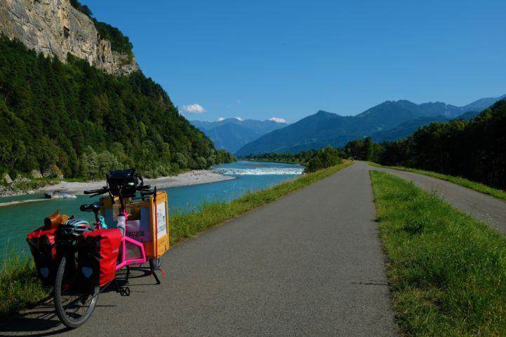 Great cycling paths along the Rhine, near Fläsch in Switzerland.jpg